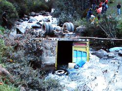 Lastwagen nach Unfall in Calca / Cusco.  Foto: ANDINA / Percy Hurtado