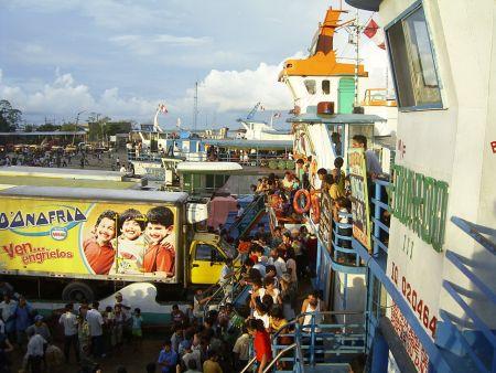 Der Hafen von Iquitos, 2005. Bild: D. Raiser / INFOAMAZONAS
