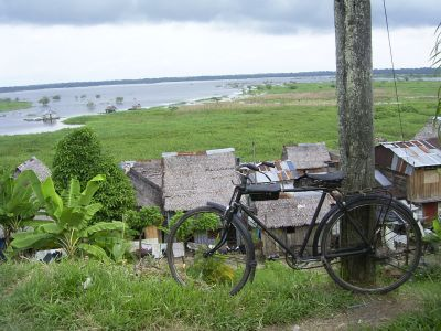 Fahrrad in Belén (Iquitos / Loreto / Peru). Foto: D. Raiser / INFOAMAZONAS