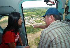 Nadine Heredia und Premier Valdés im Hubschrauber. Bild: Presidencia Perú.