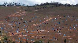 Damals Plastikplanen, heute Hütten: Invasión 16 de Oktubre in Chachapoyas. Foto: MPCH.