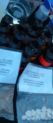 Kokain in peruanischem Polizeilabor. Foto: D. Raiser / INFOAMAZONAS.