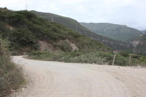 Achamaqui-Kreuzung, hier noch unasphaltiert. Foto: RRPP Gob.Reg. Amazonas.