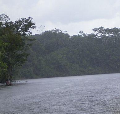 Schön da: Amazonas bei Iquitos. Foto: D.Raiser/INFOAMAZONAS.