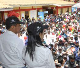 Mit First Lady bei Tambo-Einweihung: Präsident Humala. Foto: Prensa Presidencia.